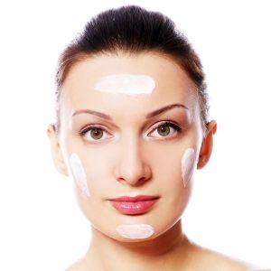 آبرسانی پوست چیست؟   اهمیت آبرسانی پوست و معرفی بهترین محصولات آبرسان پوست