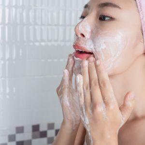 بهترین محصولات برای شستشو پوست چرب چیست؟ بهترین مارک پاک کننده پوست صورت چرب