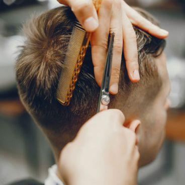 شیوه انتخاب اصلاح مو برای مردانی با موهای کم پشت