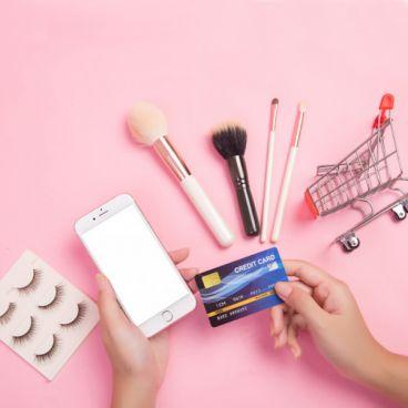 بایدها و نبایدهای خرید اینترنتی محصولات آرایشی