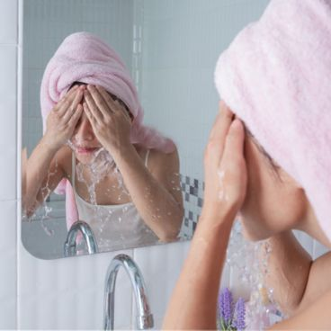 شستشو صورت با پن یا صابون