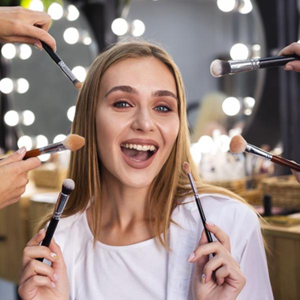 شعار تبیلغاتی زیبا برای آرایشگاه زنانه