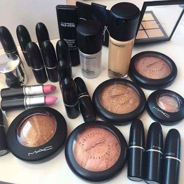 محصولات برند آرایشی مک (M.A.C)